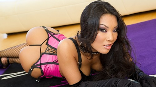 Watch Asa Akira now!