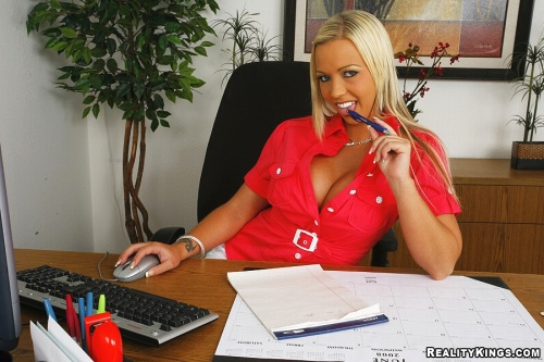 Watch Robyn Truelove at Big Tits Boss now!
