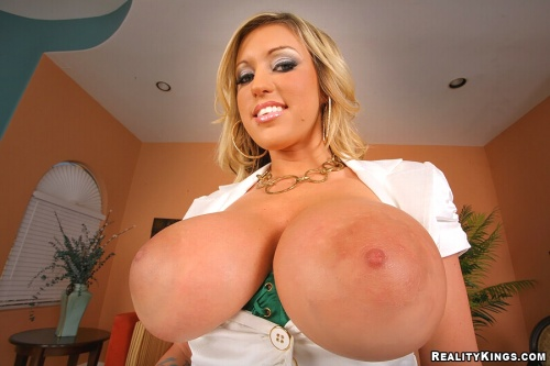 Watch Memphis Monroe at Big Tits Boss now!