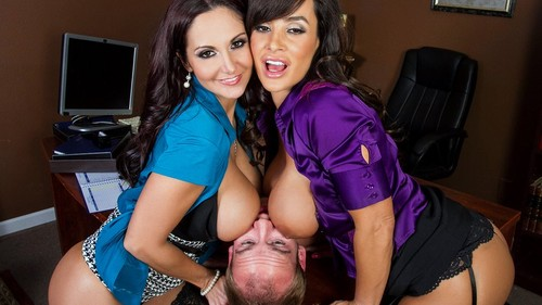Watch Lisa Ann and Ava Addams now!