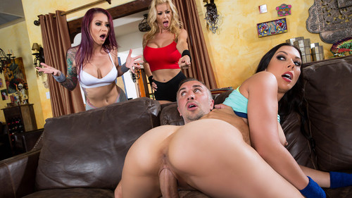 Watch Alexis Fawx and Monique Alexander with Rachel Starr now!